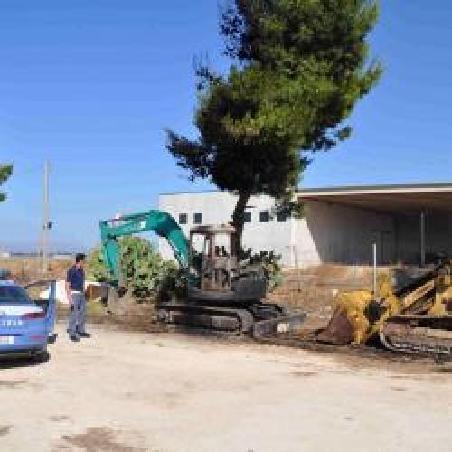 http://www.ragusanews.com//immagini_articoli/03-07-2015/l-antiracket-sull-incendio-al-centro-di-compostaggio-500.jpg