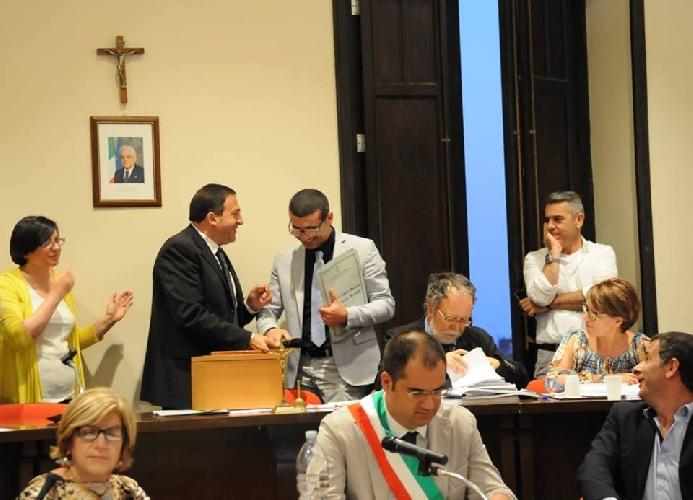 http://www.ragusanews.com//immagini_articoli/03-07-2015/roccuzzo-presidente-del-consiglio-500.jpg