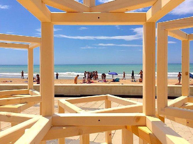 https://www.ragusanews.com//immagini_articoli/03-07-2018/marina-ragusa-arte-urbana-500.jpg