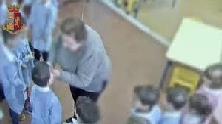 https://www.ragusanews.com//immagini_articoli/03-07-2019/la-maestra-prende-a-schiaffi-i-bambini-patteggia-2-anni-500.jpg