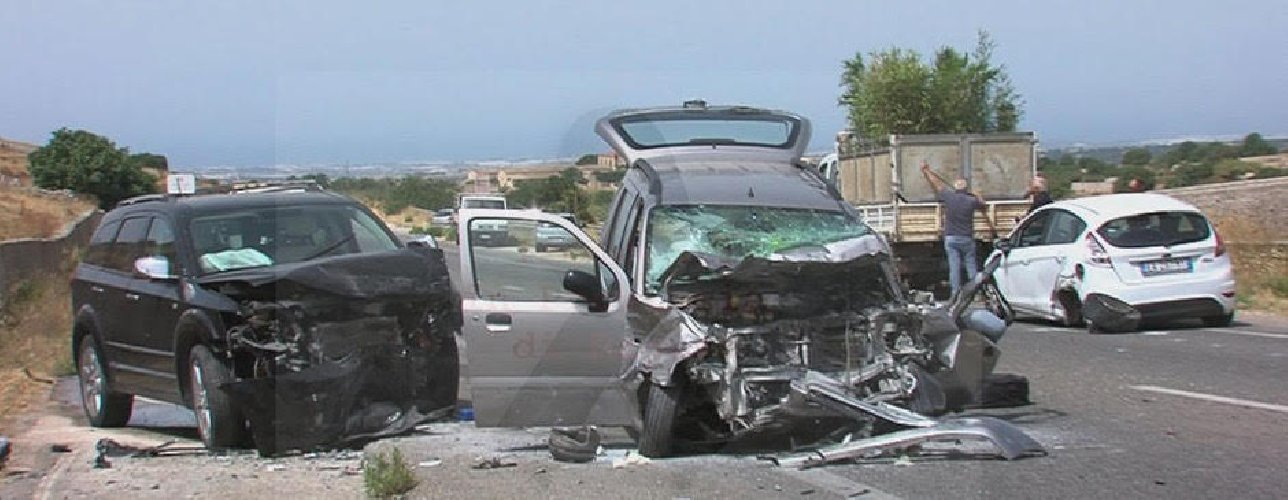 https://www.ragusanews.com//immagini_articoli/03-08-2019/1564846662-grave-incidente-elisoccorso-ragusa-marina-di-ragusa-1-500.jpg