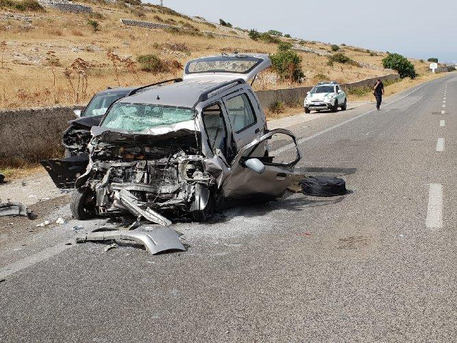 https://www.ragusanews.com//immagini_articoli/03-08-2019/grave-incidente-elisoccorso-ragusa-marina-di-ragusa-500.jpg
