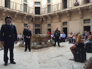https://www.ragusanews.com//immagini_articoli/03-08-2020/1596448218-rivive-la-fortezza-spagnola-sull-isola-di-capo-passero-2-240.jpg