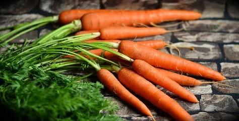 https://www.ragusanews.com//immagini_articoli/03-08-2020/e-vero-che-le-carote-fanno-abbronzare-240.jpg