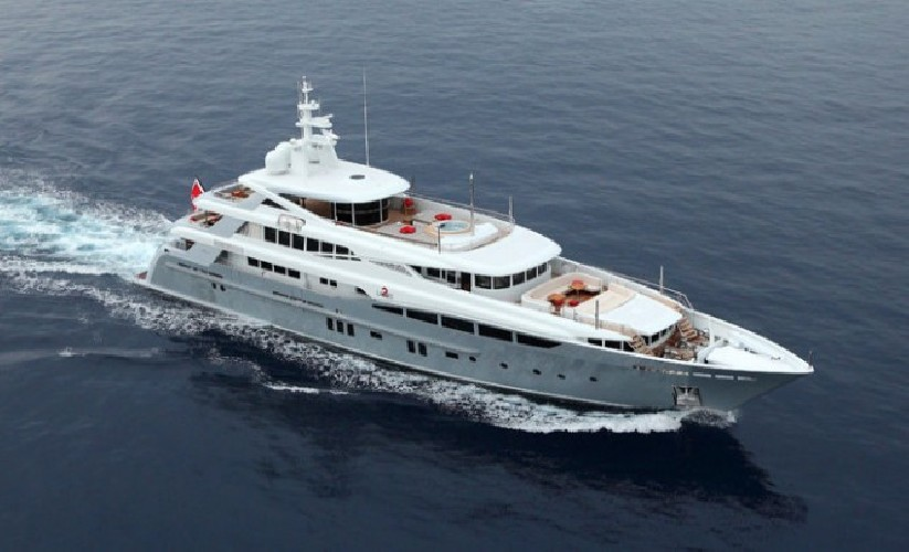 https://www.ragusanews.com//immagini_articoli/03-08-2020/il-fascino-del-2-ladies-lo-yacht-che-ha-lasciato-a-bocca-aperta-i-ragusani-500.jpg
