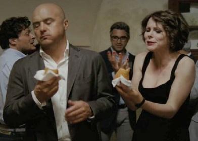 https://www.ragusanews.com//immagini_articoli/03-08-2021/catania-fugge-dai-domiciliari-per-mangiare-arancini-arrestato-280.jpg