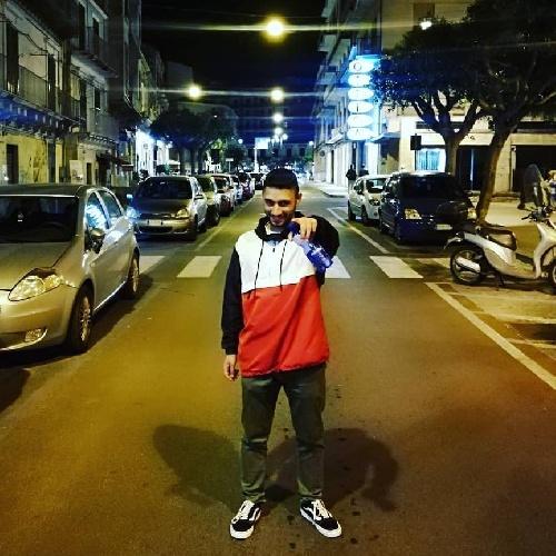 https://www.ragusanews.com//immagini_articoli/03-08-2021/nuovo-singolo-per-il-rapper-modicano-shebab-alias-lou-bandy-500.jpg