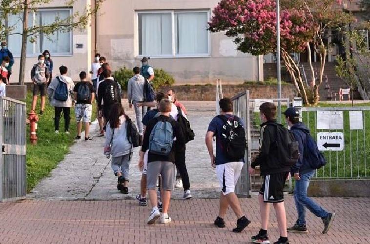 https://www.ragusanews.com//immagini_articoli/03-08-2021/troppi-ragazzi-infettati-a-un-mese-e-mezzo-dalla-riapertura-delle-scuole-500.jpg
