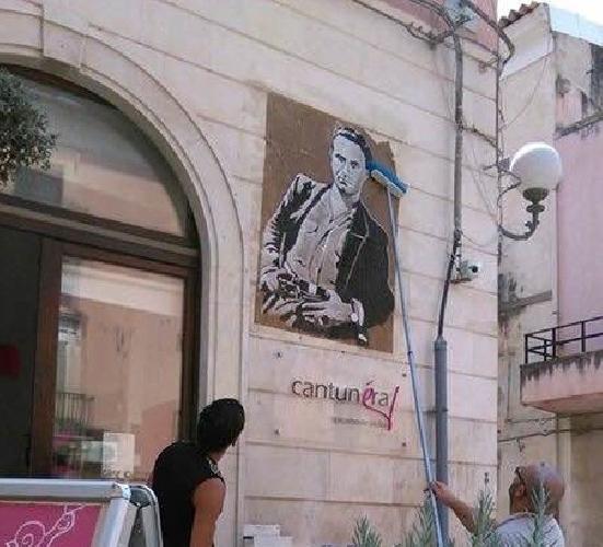 http://www.ragusanews.com//immagini_articoli/03-09-2015/a-comiso-si-celebra-il-bandito-giuliano-affatto-500.jpg