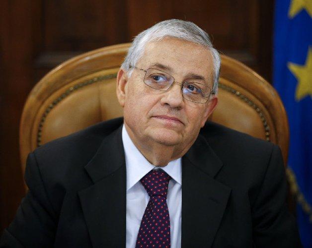 https://www.ragusanews.com//immagini_articoli/03-10-2019/papa-francesco-sceglie-un-siciliano-amico-di-falcone-giudice-500.jpg