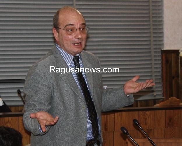 http://www.ragusanews.com//immagini_articoli/03-11-2011/pronto-soccorso-di-comiso-e-scicli-l-on-digiacomo-porta-il-caso-all-ars-500.jpg