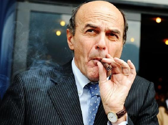 http://www.ragusanews.com//immagini_articoli/03-11-2016/bersani-a-ragusa-per-il-referendum-420.jpg