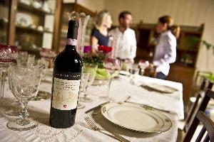 http://www.ragusanews.com//immagini_articoli/03-11-2016/i-vini-valle-dell-acate-al-merano-wine-festival-200.jpg