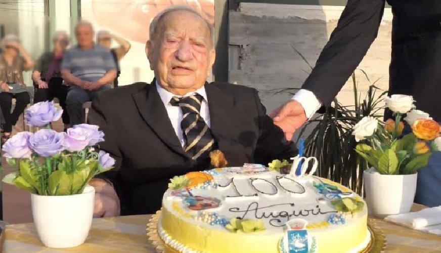 https://www.ragusanews.com//immagini_articoli/03-11-2020/e-morto-il-maestro-sarino-barone-aveva-100-anni-500.jpg