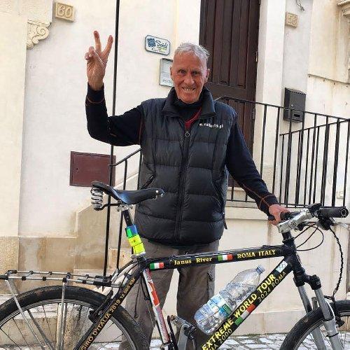 https://www.ragusanews.com//immagini_articoli/03-12-2020/touring-club-italiano-premia-scicli-albergo-diffuso-come-miglior-bike-hotel-500.jpg