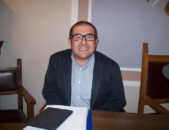 http://www.ragusanews.com//immagini_articoli/04-01-2017/vito-fornaro-annuncia-candidatura-420.jpg