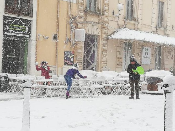 https://www.ragusanews.com//immagini_articoli/04-01-2019/aria-neve-tutta-sicilia-500.jpg