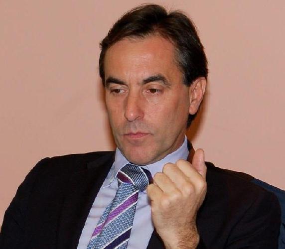 http://www.ragusanews.com//immagini_articoli/04-02-2014/calabrese-a-ragusa-vince-lupo-non-sosterremo-candidato-di-cuperlo-500.jpg