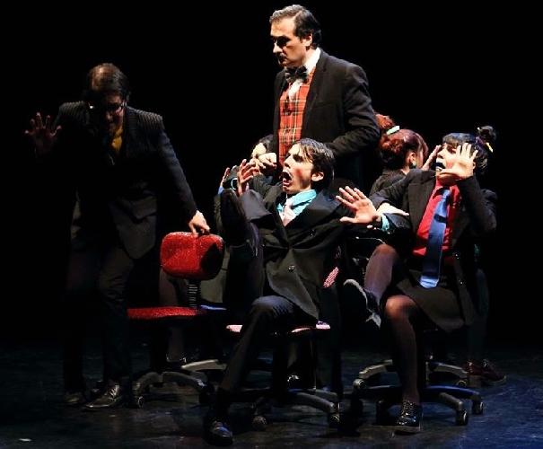 https://www.ragusanews.com//immagini_articoli/04-02-2015/l-aumento-in-teatro-a-ragusa-500.jpg