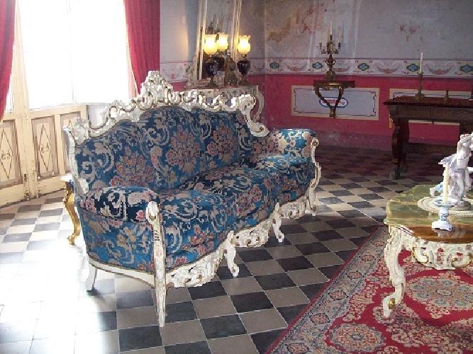 http://www.ragusanews.com//immagini_articoli/04-02-2016/in-vendita-il-castello-aragonese-di-comiso-500.jpg