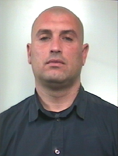 http://www.ragusanews.com//immagini_articoli/04-03-2014/arrestato-il-pluripregiudicato-marco-giurdanella-500.jpg
