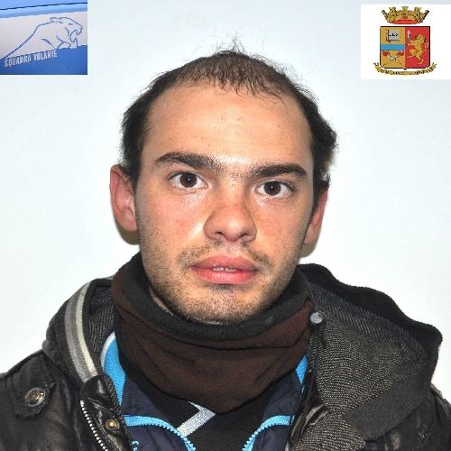 https://www.ragusanews.com//immagini_articoli/04-03-2014/estorsione-arrestato-alessandro-scata-500.jpg
