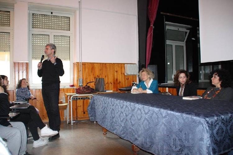 http://www.ragusanews.com//immagini_articoli/04-03-2014/il-grande-silenzio-dellaltopiano-presentato-a-ragusa-500.jpg