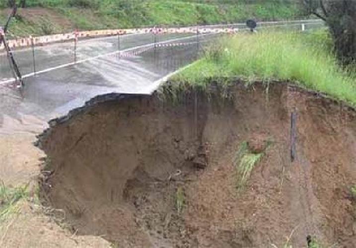http://www.ragusanews.com//immagini_articoli/04-03-2014/rischio-idrogeologico-un-convegno-lions-500.jpg