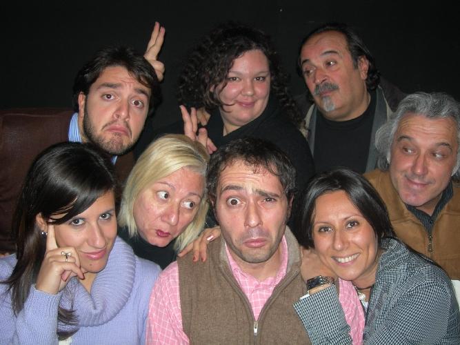 http://www.ragusanews.com//immagini_articoli/04-03-2015/il-sosia-di-renzi-in-teatro-a-ragusa-500.jpg