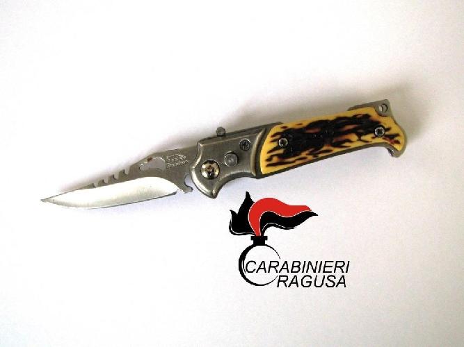 http://www.ragusanews.com//immagini_articoli/04-03-2016/voleva-andare-al-processo-di-veronica-col-coltello-500.jpg