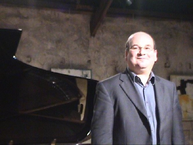 https://www.ragusanews.com//immagini_articoli/04-03-2019/maestro-michel-benhaiem-concerto-ragusa-500.jpg