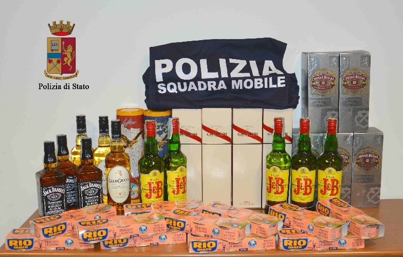 https://www.ragusanews.com//immagini_articoli/04-04-2017/presa-ladra-liquori-video-500.jpg