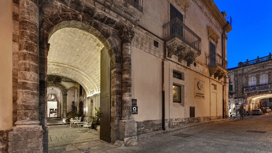 https://www.ragusanews.com//immagini_articoli/04-04-2019/1554403260-apre-a-ragusa-ibla-il-boutique-hotel-ad1768-foto-1-500.jpg