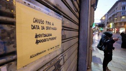 https://www.ragusanews.com//immagini_articoli/04-04-2020/in-sicilia-negozi-chiusi-anche-festivi-240.jpg