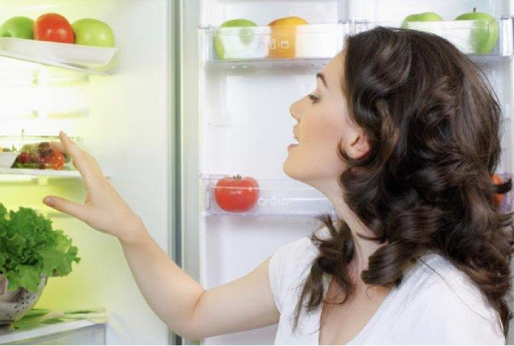 https://www.ragusanews.com//immagini_articoli/04-04-2020/pulire-il-frigorifero-con-i-rimedi-naturali-500.jpg