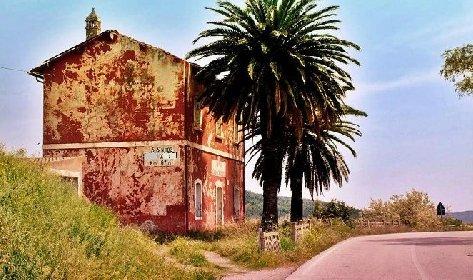 https://www.ragusanews.com//immagini_articoli/04-04-2021/l-anas-mette-all-asta-cento-case-cantoniere-tre-in-sicilia-280.jpg