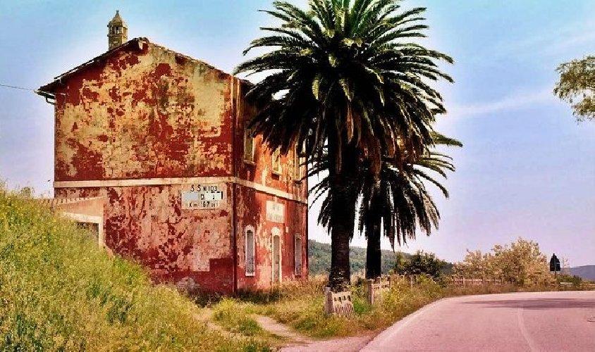 https://www.ragusanews.com//immagini_articoli/04-04-2021/l-anas-mette-all-asta-cento-case-cantoniere-tre-in-sicilia-500.jpg