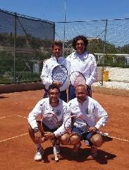 http://www.ragusanews.com//immagini_articoli/04-05-2015/il-tennis-club-ispica-lascia-catania-a-digiuno-di-set-240.jpg