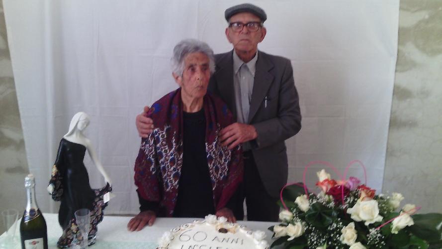 http://www.ragusanews.com//immagini_articoli/04-05-2016/sessant-anni-di-matrimonio-per-antonino-e-antonietta-500.jpg