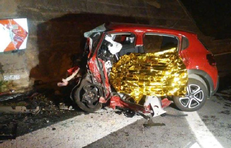 https://www.ragusanews.com//immagini_articoli/04-05-2019/taormina-auto-muro-muore-lo-sciclitano-franco-tidona-500.jpg