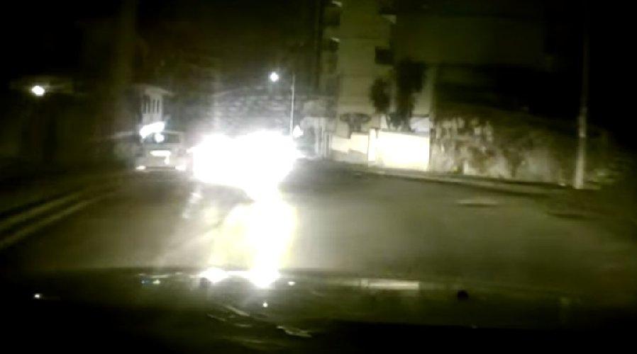 https://www.ragusanews.com//immagini_articoli/04-05-2021/catania-auto-contromano-all-improvviso-il-video-della-dash-cam-500.jpg