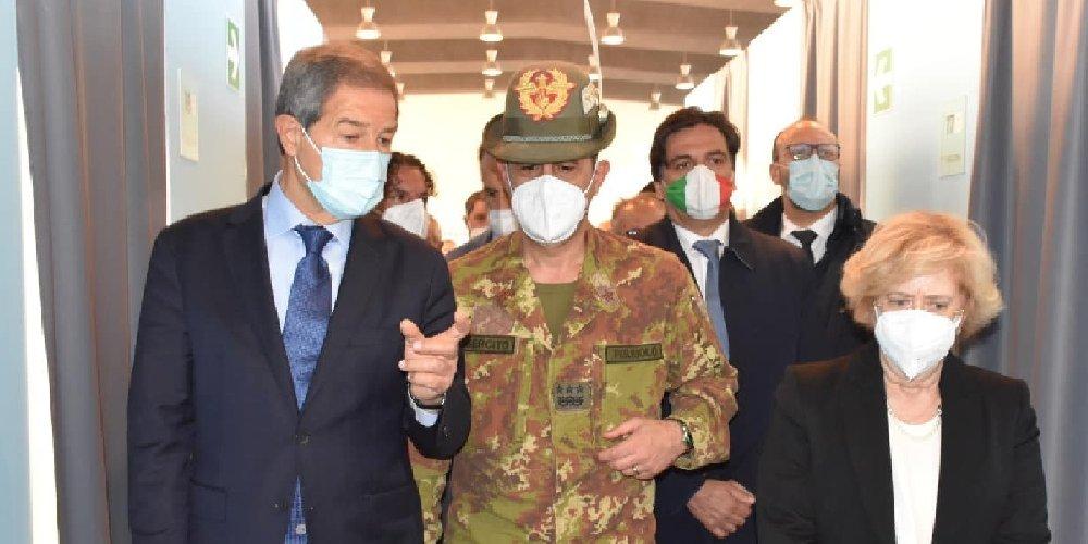 https://www.ragusanews.com//immagini_articoli/04-05-2021/in-sicilia-i-cinquantenni-potranno-vaccinarsi-dal-6-maggio-500.jpg