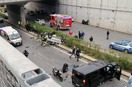 https://www.ragusanews.com//immagini_articoli/04-05-2021/incidente-di-palermo-e-morta-anche-l-altra-ragazza-280.jpg