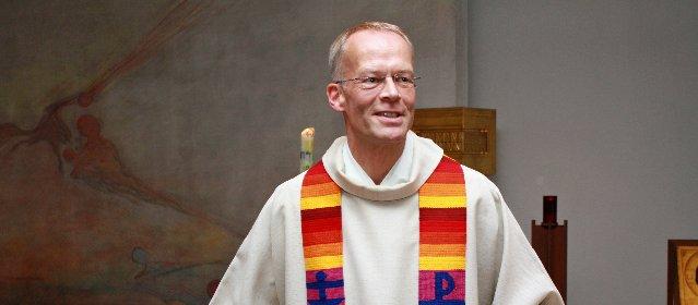 https://www.ragusanews.com//immagini_articoli/04-05-2021/parroci-tedeschi-pronti-allo-scisma-benediremo-le-coppie-gay-280.jpg