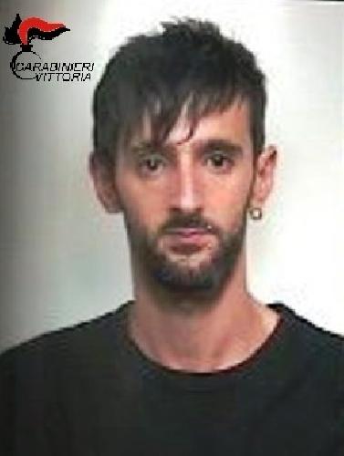 http://www.ragusanews.com//immagini_articoli/04-06-2016/comiso-arrestati-francesco-e-gianluca-zago-per-spaccio-500.jpg