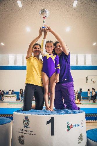 https://www.ragusanews.com//immagini_articoli/04-06-2018/ginnastica-artistica-olivia-bruni-campionessa-nazionale-500.jpg