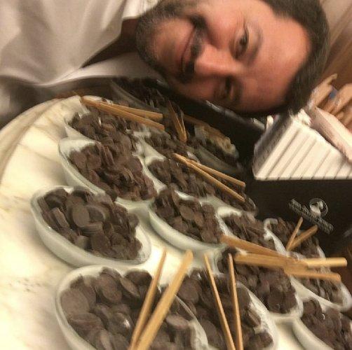 https://www.ragusanews.com//immagini_articoli/04-06-2018/matteo-resiste-cioccolato-modica-500.jpg
