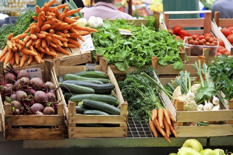 https://www.ragusanews.com//immagini_articoli/04-06-2018/mercato-agricoltori-arriva-marina-ragusa-500.jpg