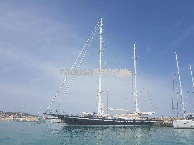 https://www.ragusanews.com//immagini_articoli/04-06-2018/spettacolo-southwind-porto-marina-ragusa-500.jpg