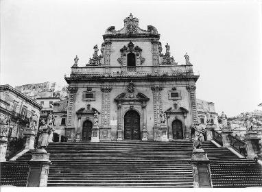 https://www.ragusanews.com//immagini_articoli/04-06-2021/1622803079-ragusa-100-anni-fa-online-le-foto-dell-archivio-storico-enit-5-280.jpg